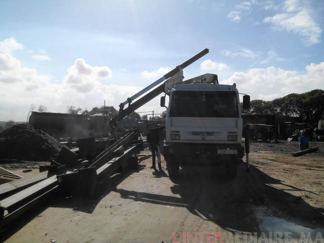 je mets en location camion grue 14 tonne