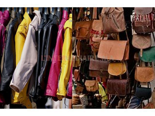 Stock de vêtement pour femme  en cuir