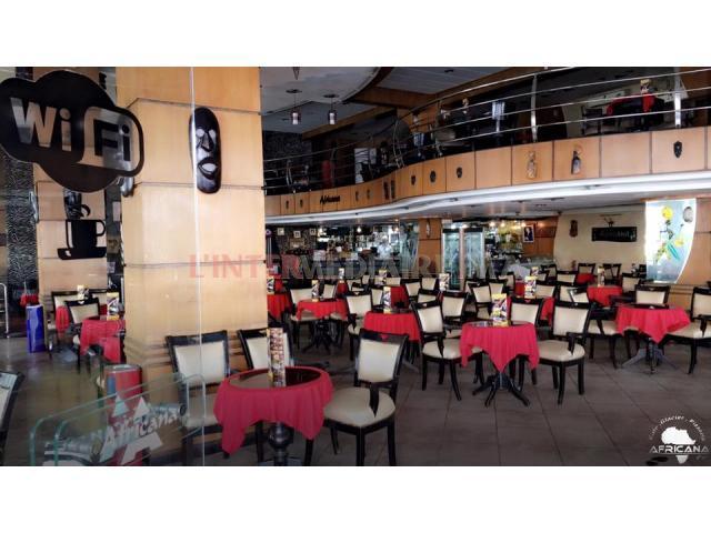 Superbe Café/Restaurant de 600m2