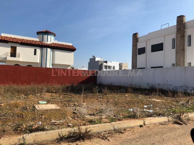 Terrain pour villa 2 façades 500 m2