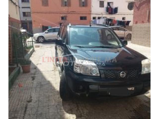vente une voiture nissan-X TRAIL diesel