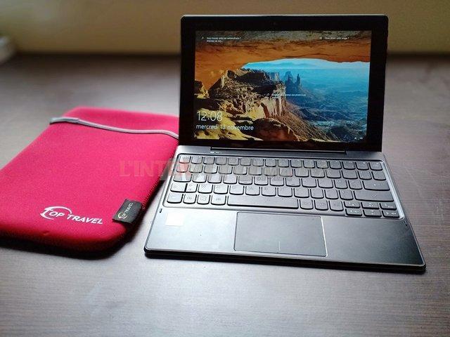 Tablette Lenovo 2-en-1 comme neuf