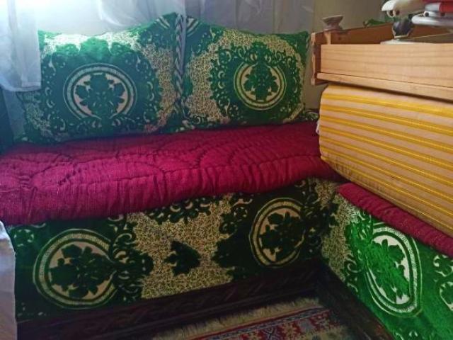 Salon marocain complet + rideaux + tapis