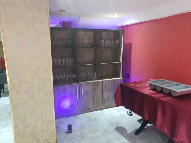 Restaurant a vendre murs et fond