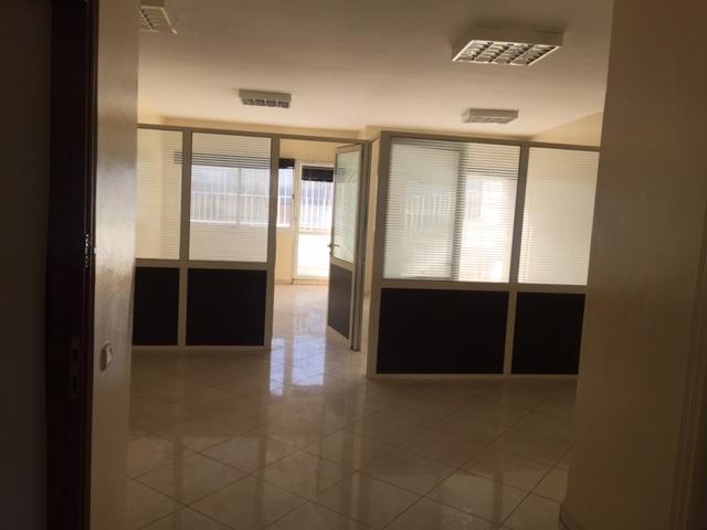 Plateau bureau cloison prés de Hassan2