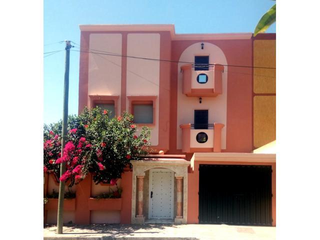 une Villa,Très belle, à Hay Al Andalous