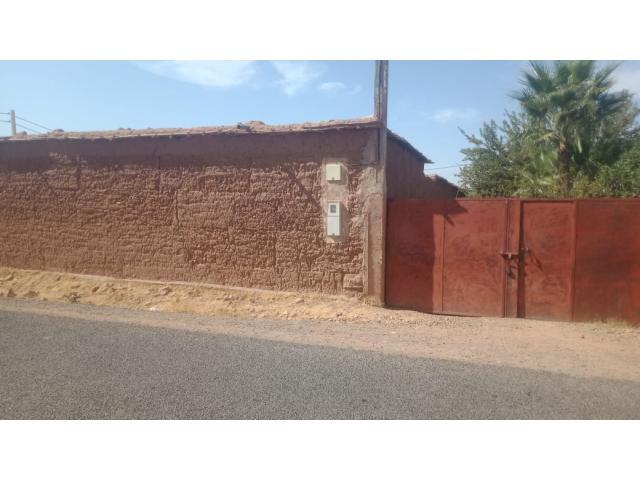 Ferme titrée à 27 km de Marrakech route