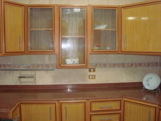 cuisine en aluminium l 39 intermediaire. Black Bedroom Furniture Sets. Home Design Ideas